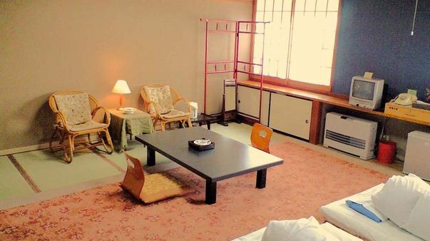 【禁煙】1階 和室15畳(洗面台付、簡易ベッドは要予約)