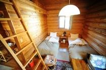 ログハウスの客室