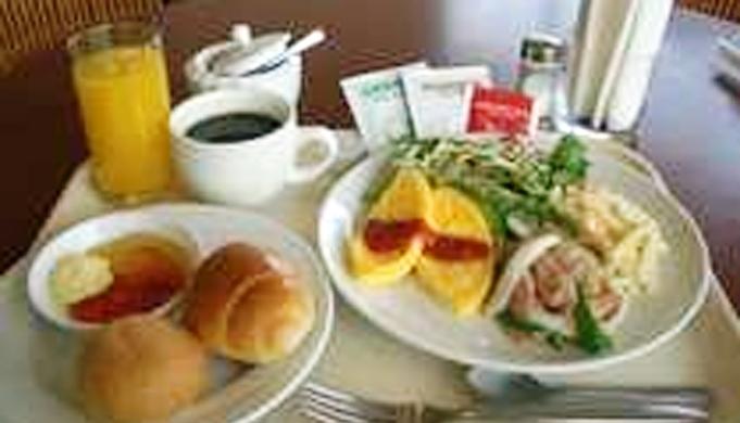 ★朝の元気は朝食から★【朝食付プラン】 シングル 〈ネット予約限定〉 *送迎バス運休の場合あり
