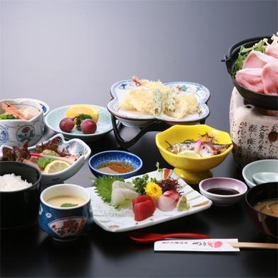<和食の職人が作る会席です♪>夕は季節の お料理、朝は 御膳【天然温泉で駐車場無料♪】