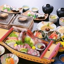 活あわび踊り焼き&鯛の活姿造り舟盛り、ズワイ蟹酢に寿司♪