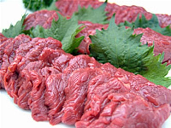 会津名産桜肉の刺身