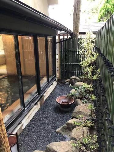 檜の湯(箱庭)