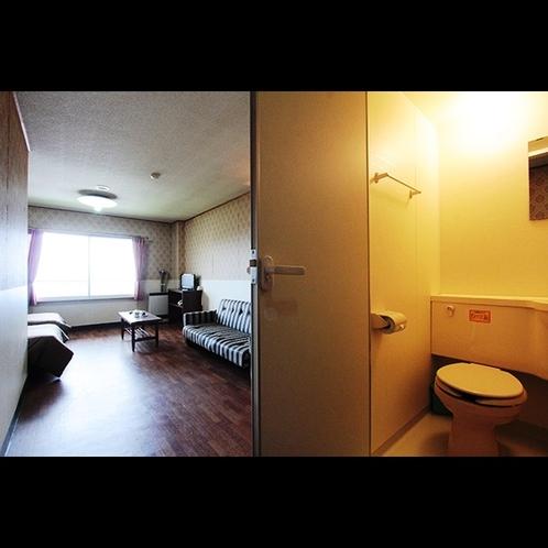 【ツイン/ソファーベッド】シャワー・トイレ付き
