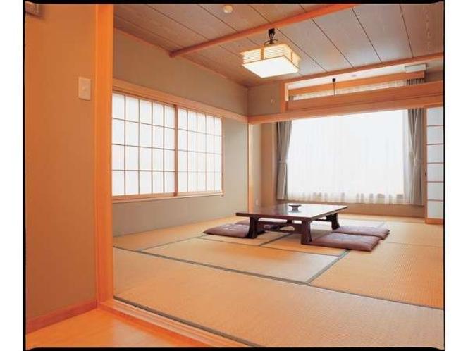 純和風の客室は清潔感溢れ、居心地が良いです。