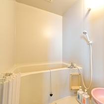 *和室10畳(客室一例)/客室にバスルームを完備。お好きな時にご利用いただけます。