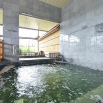 *漢方風呂/中国上海中医薬大学より調合した漢方を、天然温泉と合せ温泉効力を高めた湯船。