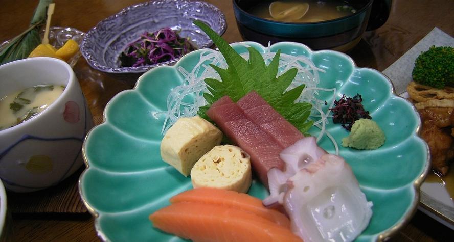 *旬のお刺身(夕食一例)