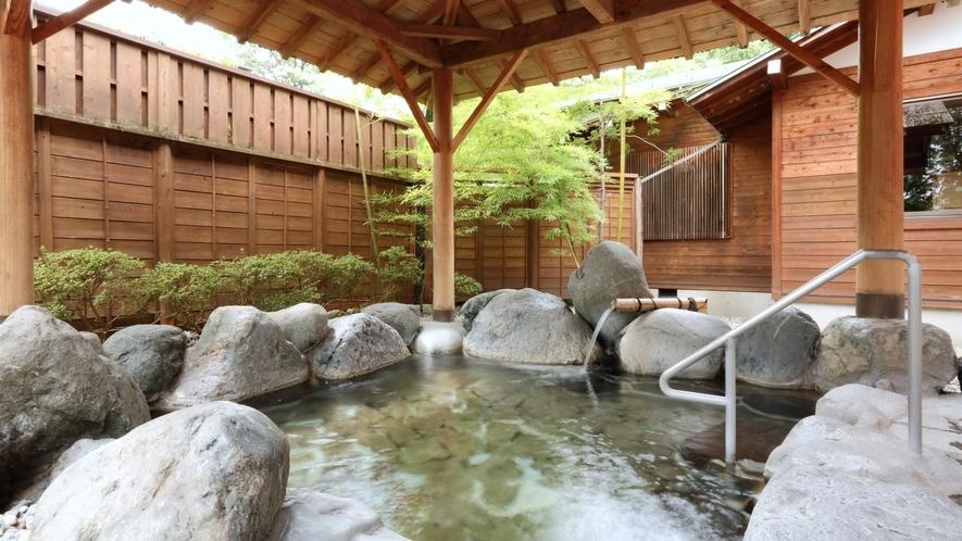 男女各3か所ずつの露天風呂は信州の爽やかな風を感じながらお楽しみいただけます♪