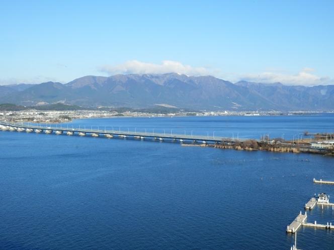 14階レストラン(朝食会場)からは琵琶湖大橋や比良山系が見渡せます♪
