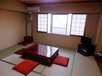 【和室10畳】ご家族連れ&グループ利用に人気の和室です♪
