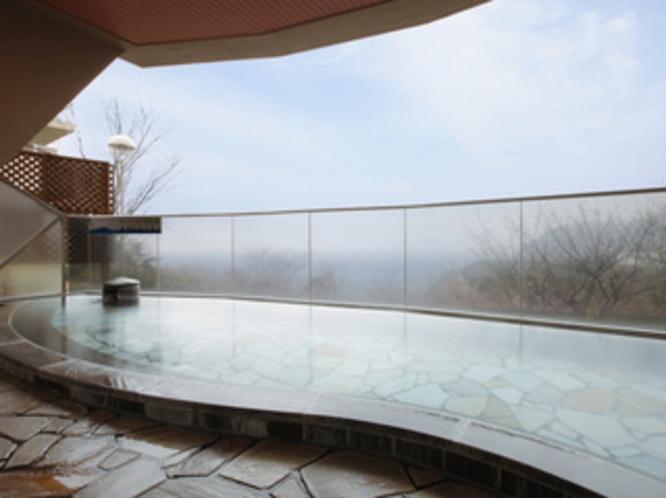 温泉 石の露天風呂