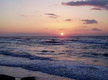 日本海の夕日「海まで歩いて15分、早朝散歩も気持ちいいよね」