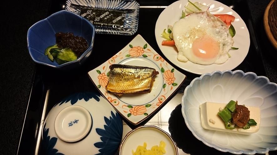 朝食・秋のおかず(骨まで美味しく食べれちゃう秋刀魚煮)