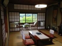 新緑 客室