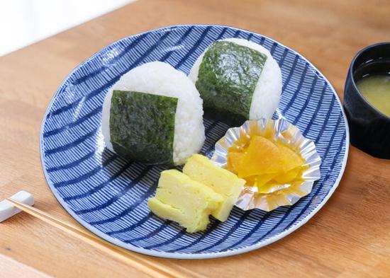 【平日限定】朝食おにぎりセット付プラン(コーヒーお替り自由)