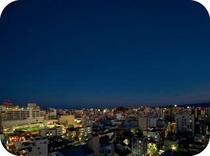 ホテルからの夜景 東向き