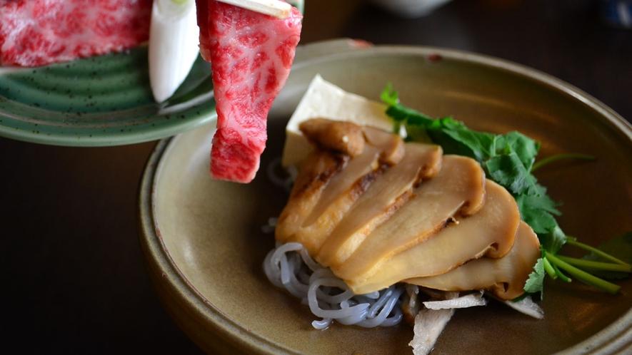 【季節のご馳走】松茸のすき煮鍋