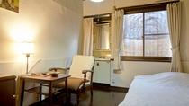 ・洋室6畳 / シンプルで飾り気がなく男女年齢問わずどなた様でもご利用頂けるお部屋です