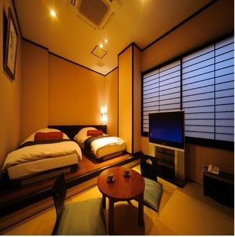 【雄飛館1F】 和モダン & 低反発ベッド【44平米】
