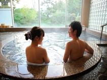 2人の時間♪貸切風呂で会話も弾みます。