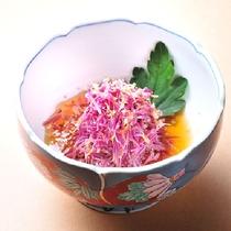 山形の秋の味覚【もってのほか】(食用菊)