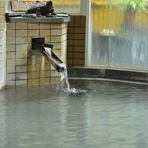 源泉掛け流しの温泉は一晩中入れます♪