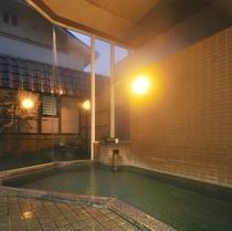 大浴場〈源泉掛け流し100%〉一晩中入れます♪