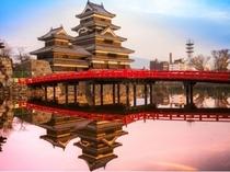 松本城 夕焼け
