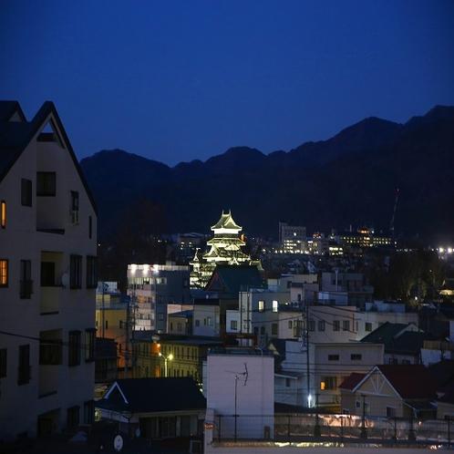 ◆客室からの松本城 日没から22:00までライトアップされています。(一部客室)