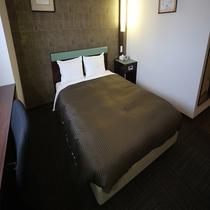 ◆客室ベッド 幅140cmのダブルベッド