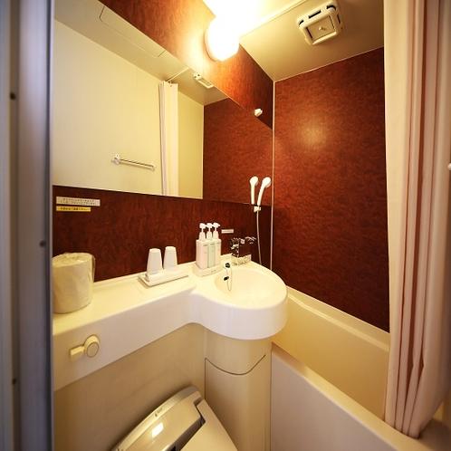 ◇ユニットバス 木目調のお洒落なバスルームです☆彡サーモ式蛇口で温度調節も簡単♪
