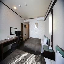 ◆ツインルーム ゆったりとした客室(松本城は見えない方角です)