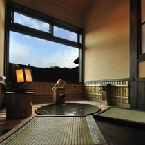 【はなみずき】半露天風呂付客室には「足湯」も別にあります!