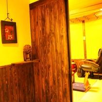 【和室二間(8畳+8畳)】玄関から右側のお部屋