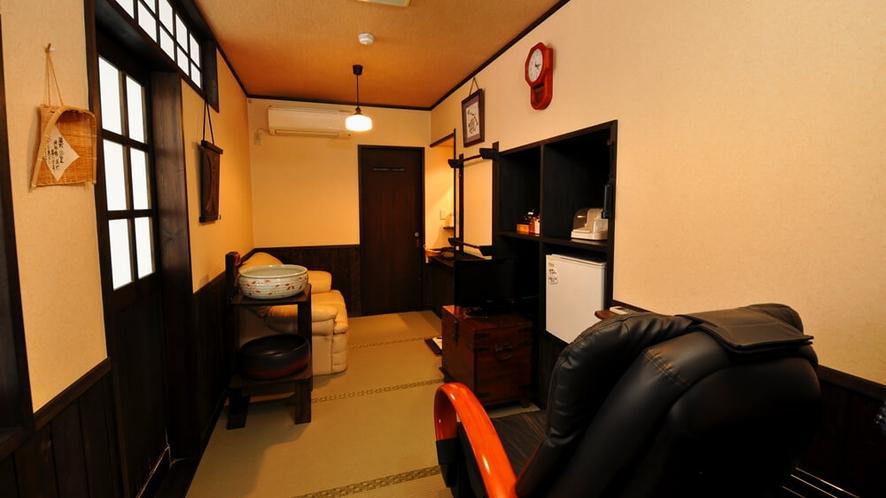 【やまぼうし】露天陶器風呂付客室の脱衣場