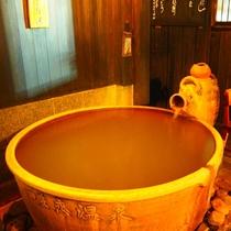 【やまぼうし】露天陶器風呂付客室のお風呂はゆったりとした空間です!