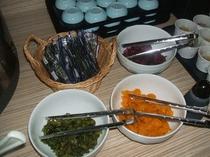 味付け海苔と漬物3種