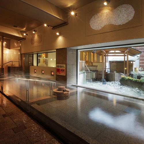 【1F紅花風呂】「熱め」と「温め」に別けられた大浴場はお子様も安心して入ることが出来ます。