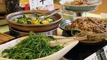 【朝食ビュッフェ】地産地消の新鮮野菜を使った山形ならではの味付けをご堪能下さい。
