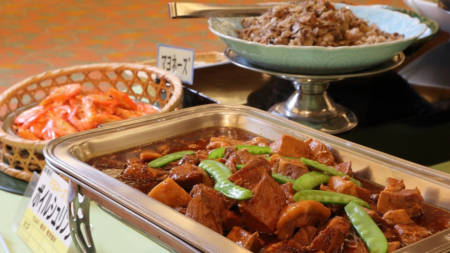 【朝食ビュッフェ】調理長厳選の54種類の朝食ブュッフェ。和洋折衷でお楽しみください。