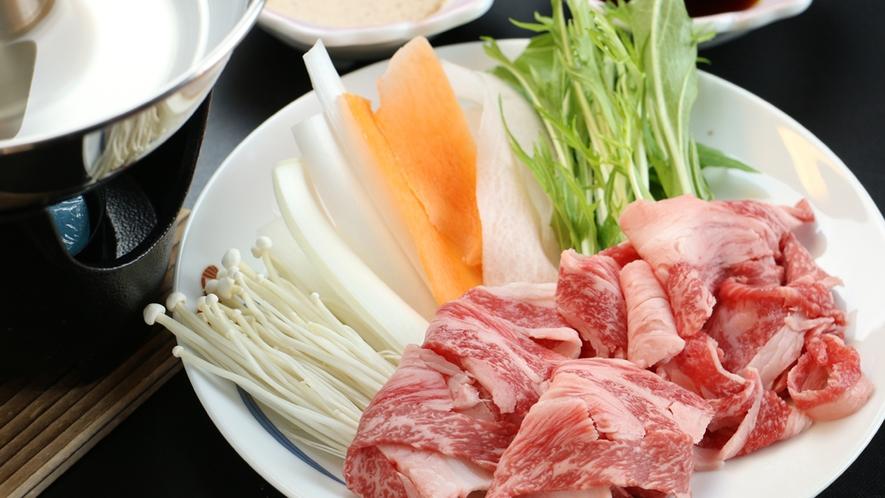 【ご夕食一例】国産牛を使用したしゃぶしゃぶをどうぞ!