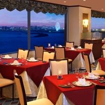 ★夜景を眺めながらのディナーはとってもロマンティック♪