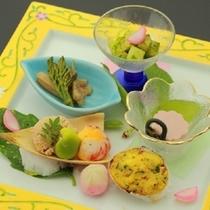 【春の前菜】筍とイカの木の芽味噌和え 山ウドきんぴら 桜豆腐 鯛の子 海老茶巾 蛤菜種焼き
