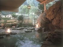 西の湯露天風呂(瑠璃)