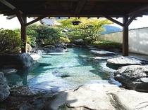 東の湯露天風呂(波璃)