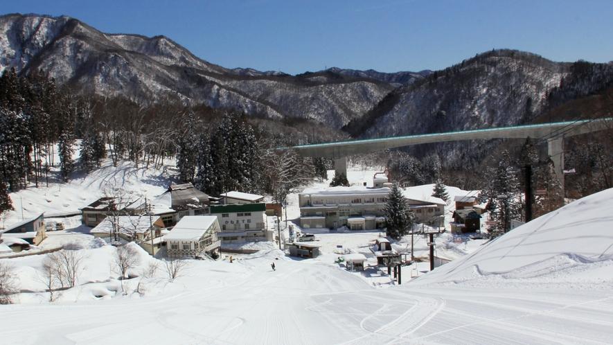 【栂池スキー場】ゲレンデ目の前!滑って帰ってこれます。