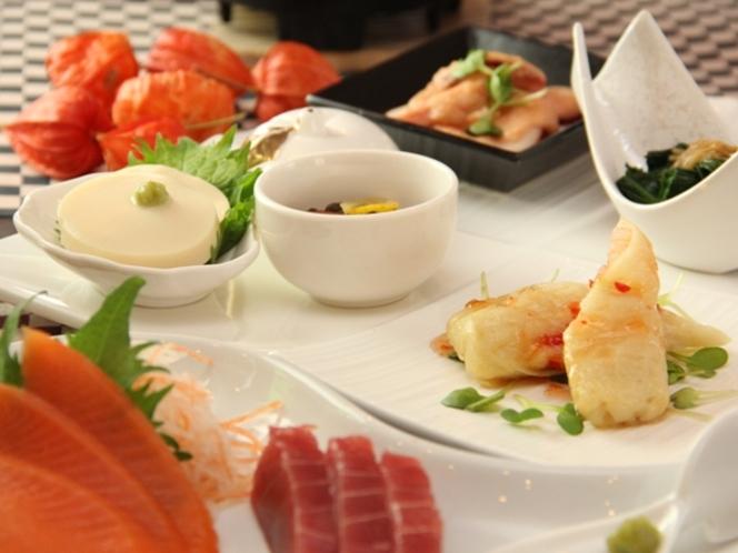【前菜 五点盛り】信州サーモンも並びます。