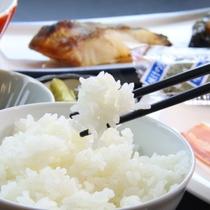 朝食_飯山産コシヒカリ