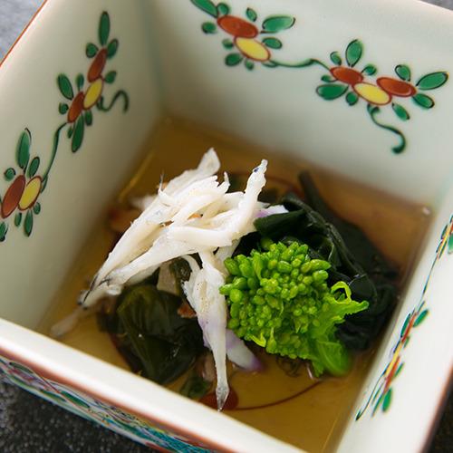 【酢の物一例】 *吟味した四季の素材で、「伝統」と「現在」をともにお感じいただきます。